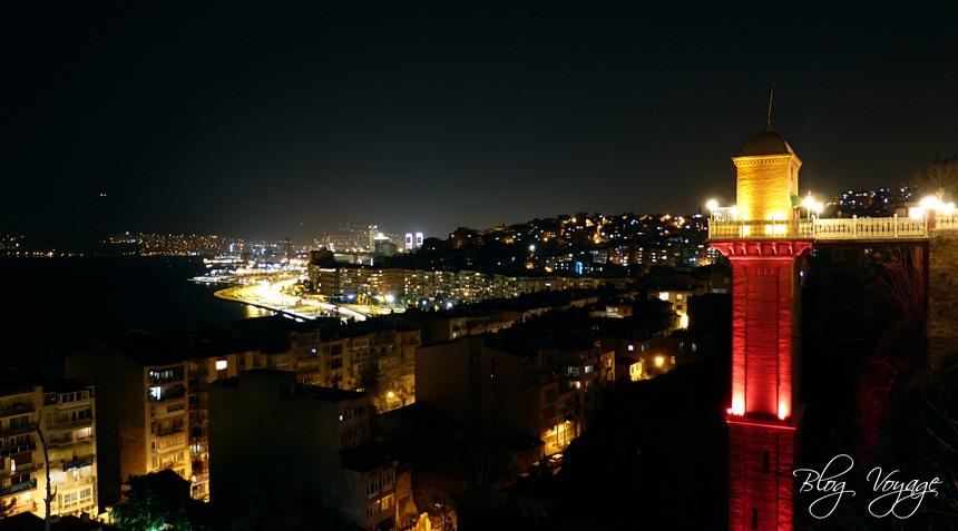 Асансёр в Измире ночью
