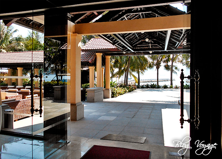 Вид на террасу отеля Винперл во Вьетнаме