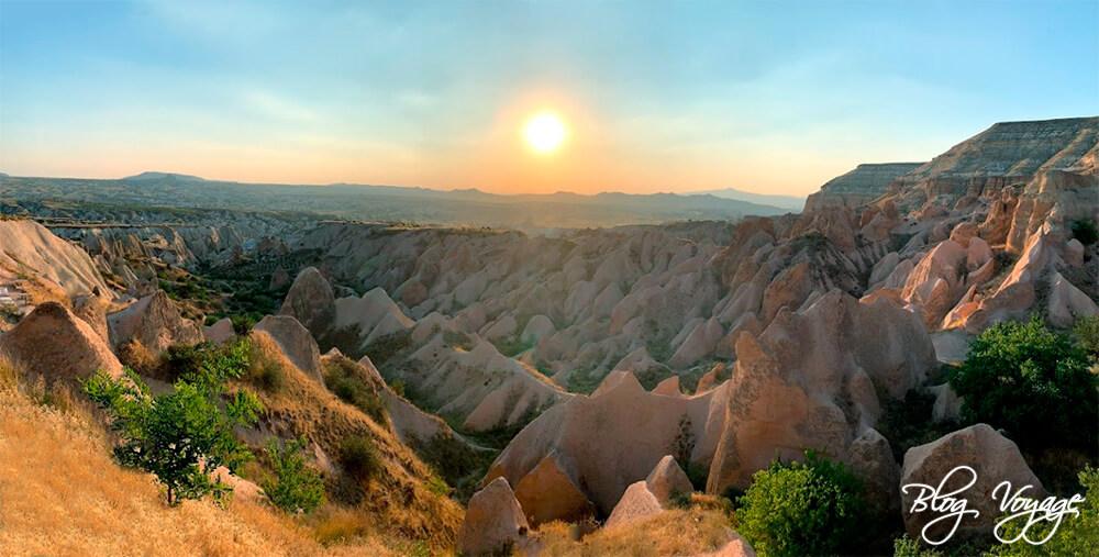 Закат в Красной долине в Каппадокии