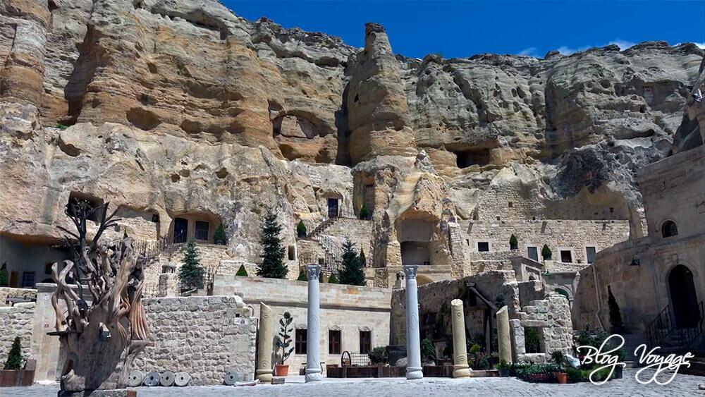 Что сделать в Каппадокии - пожить в отеле в скале