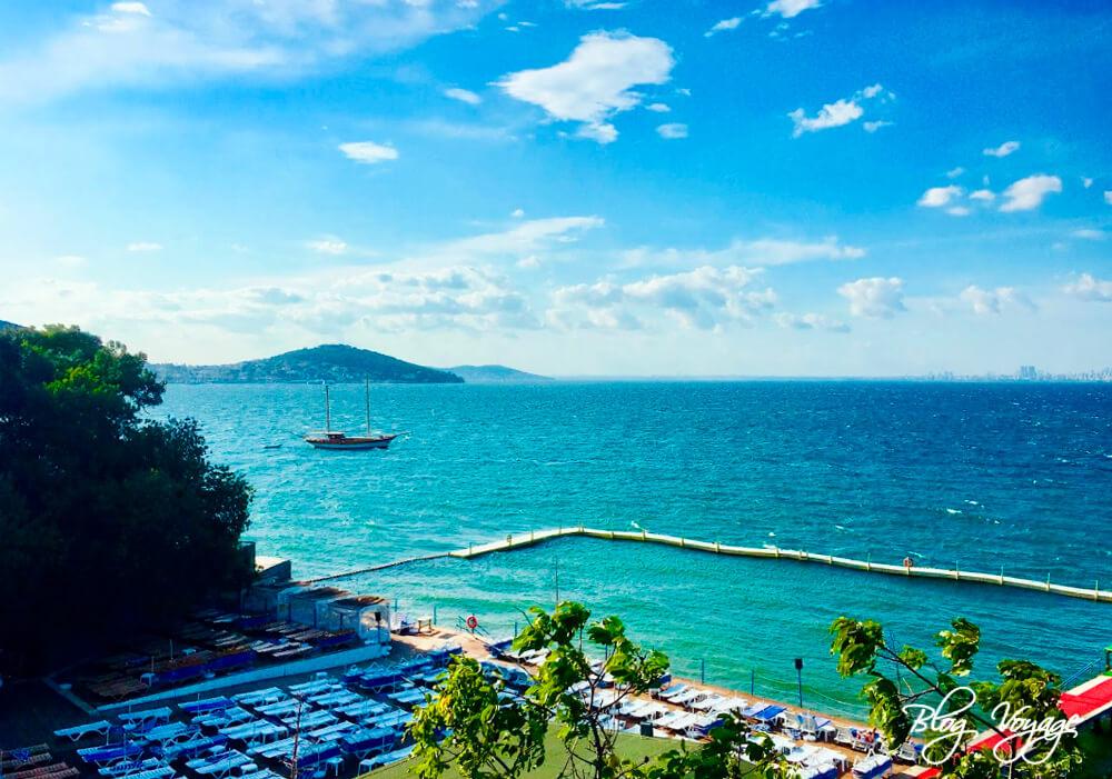 Пляж Блю Бич (Blue Beach Büyükada), Бююкада, Стамбул