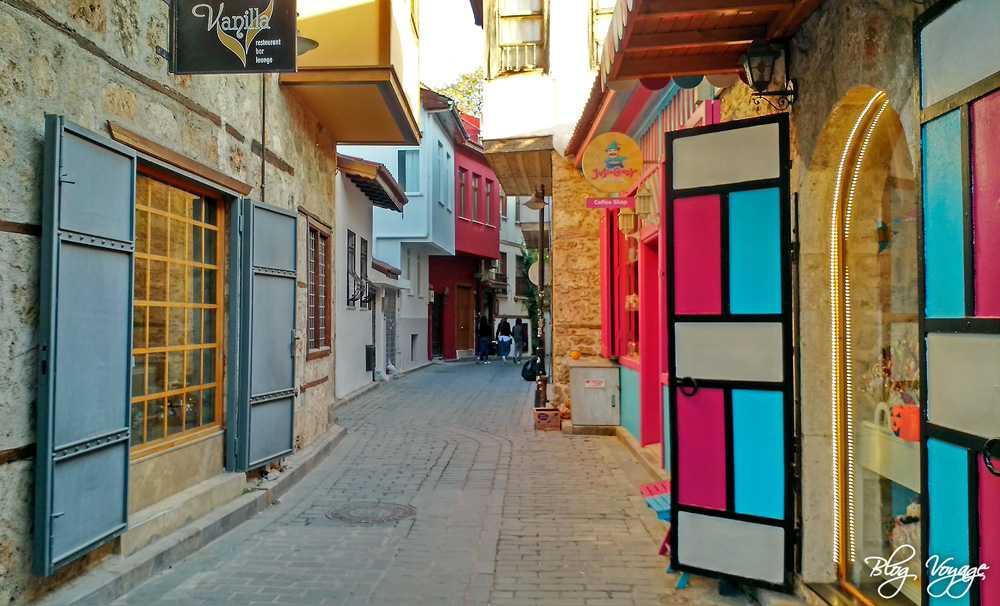Достопримечательности Калеичи - улочки старого города в Анталии